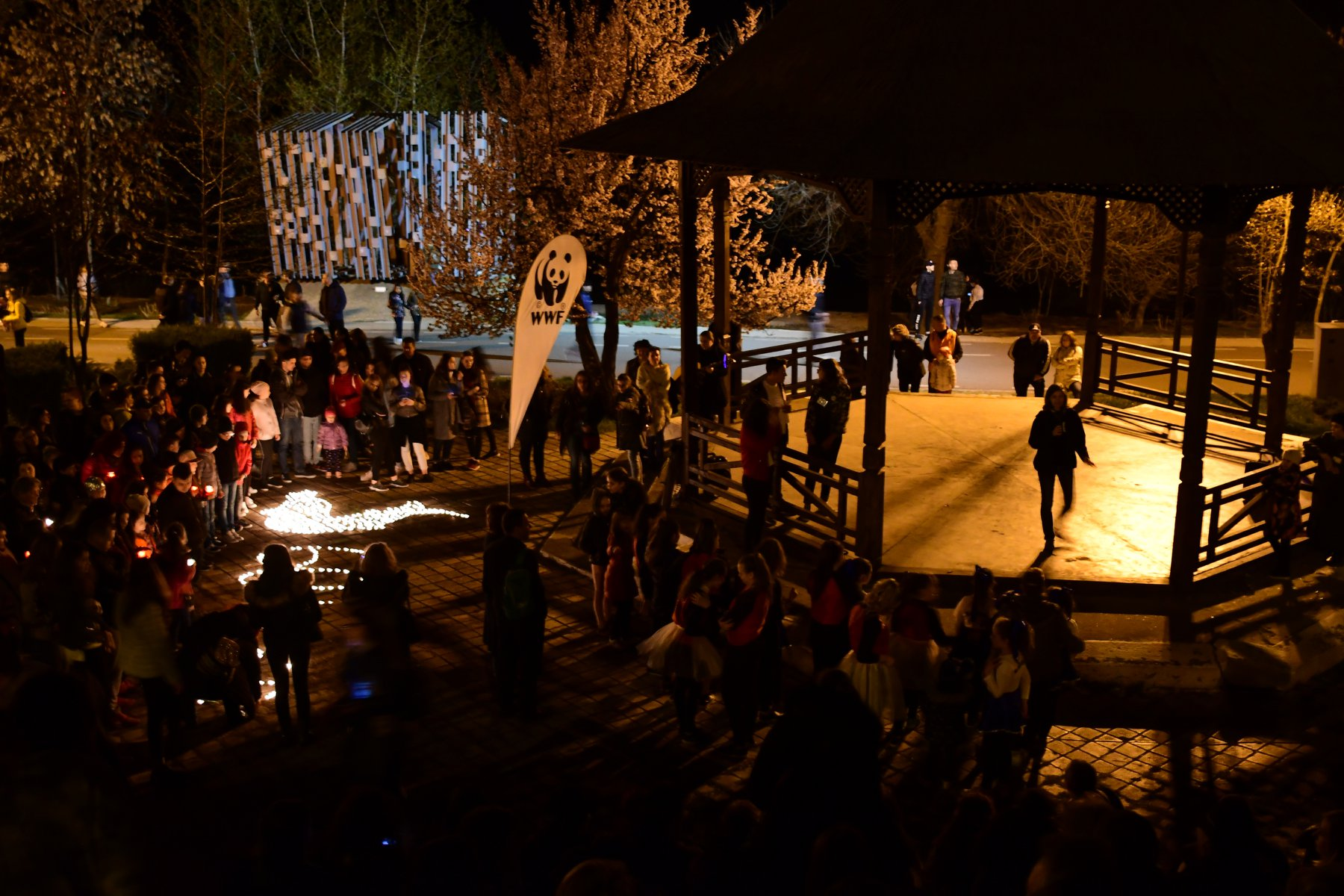 Galaţi and Jurilovca celebrated their first Earth Hour with breath-taking events organised by the local AYDS clubs